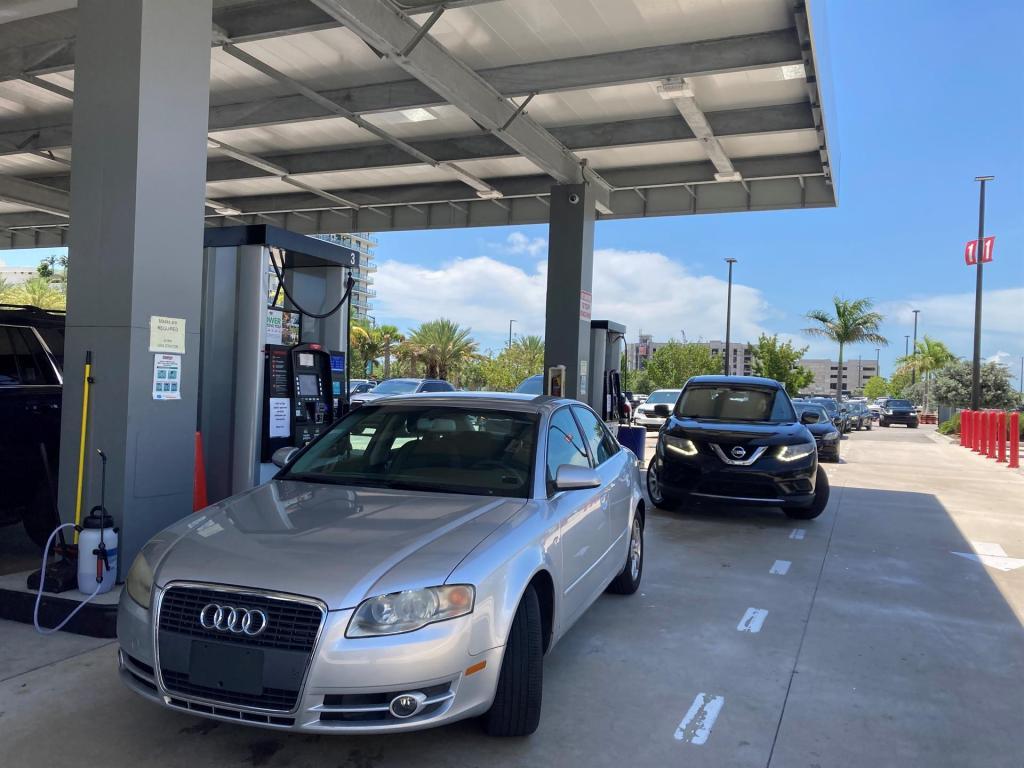 suministro de gasolina en Carolina del Norte (NC) después del ataque al oleoducto Colonial